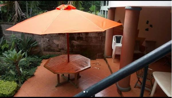 Beautiful Garden/Restaraunt Parasol